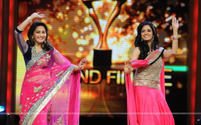 madhuri-dixit-and-sridevi-dances-on-the-sets-of-jhalak-dikhhla.jpg