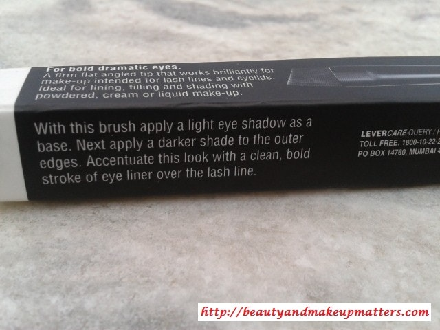 Lakme-Absolute-Eye-shader-Brush-Claims