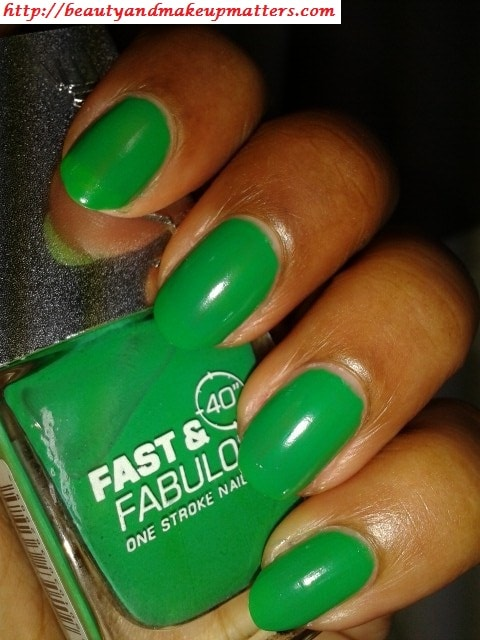 Lakme-Fast-and-Fabulous-Nail-Paint-Going-Green-NOTD