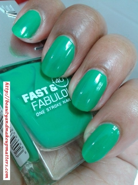 Lakme-Fast-and-Fabulous-Nail-Paint-Going-Green-Nail-Swatch