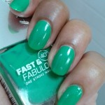 Lakme-Fast-and-Fabulous-Nail-Paint-GoingGreen-NOTD