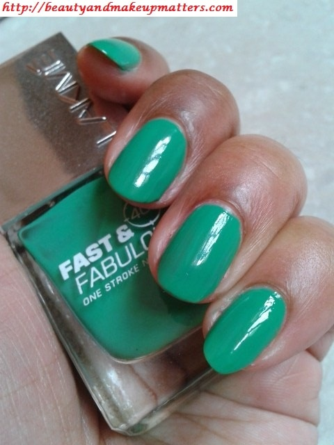 Lakme-Fast-and-Fabulous-Nail-Paint-GoingGreen-Swatch