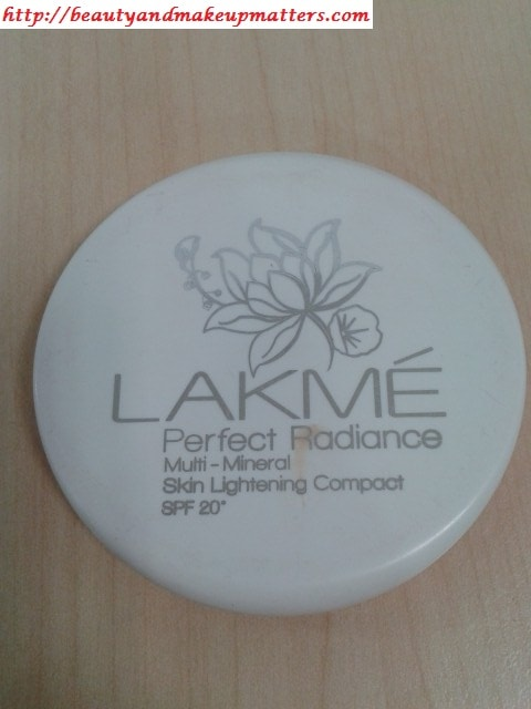 Lakme-Perfect-Radiance-skin-Lightening-Compact-Review