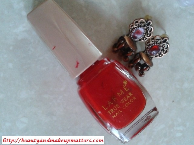 Lakme-True-Wear-Nail-Color-Siren-Red