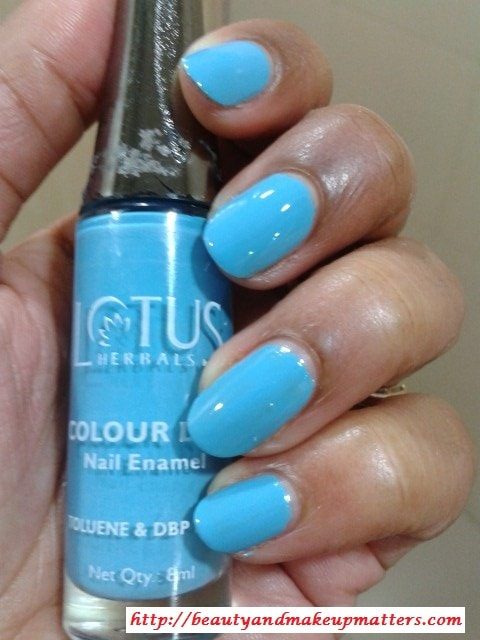 Lotus-Herbals-Color-Dew-Nail-Enamel-Deep-Sea-NOTD