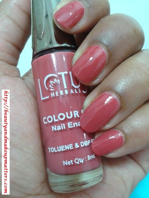 Lotus-Herbals-Nail-Enamel-Rose-Petal-Review