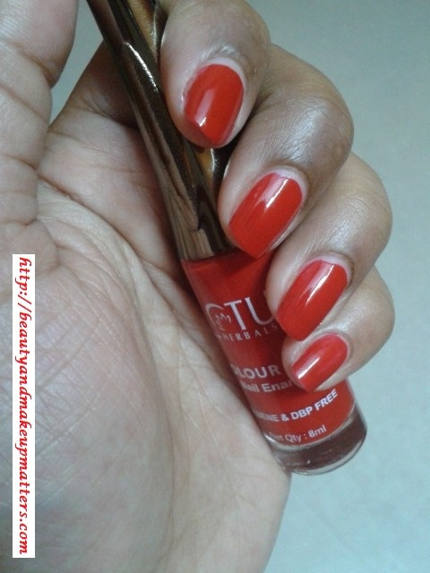 Lotus-Nail-Paint-Crimson-Red-Swatch