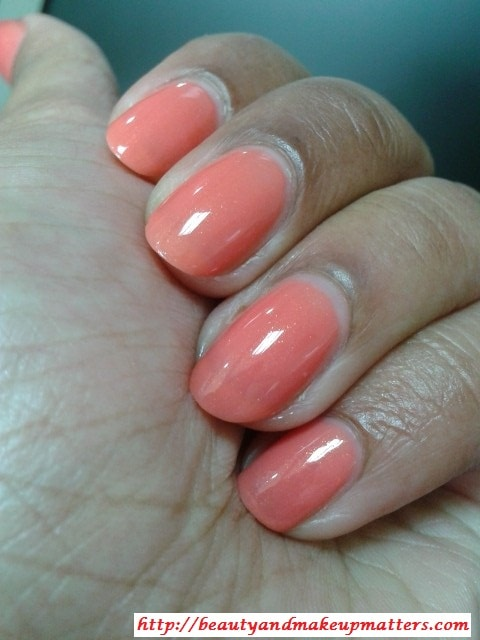 Maybelline-Coloroma-Nail-Paint-Coral-Chic-NOTD