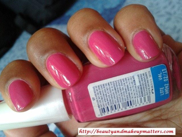 Maybelline-Coloroma-Nail-Polish-Sexy-NOTD1