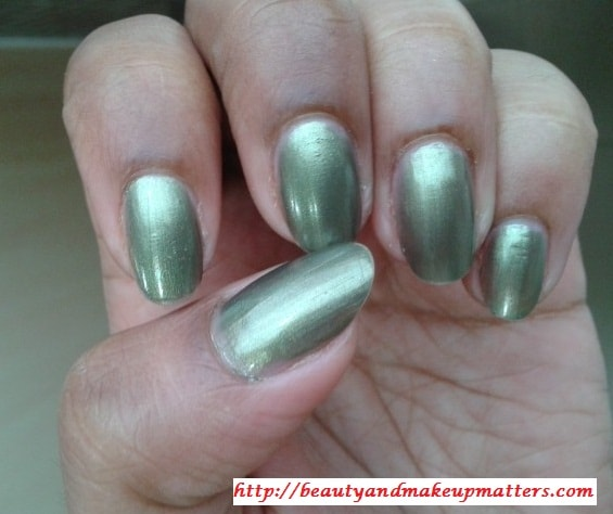 Maybelline-Express-Finish-Nail-Paint-Khakhi-Green-NOTD