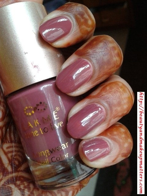 Lakme-Nine-to-Five-Nail-Polish-Lavender-Lush-Nail-Swatch
