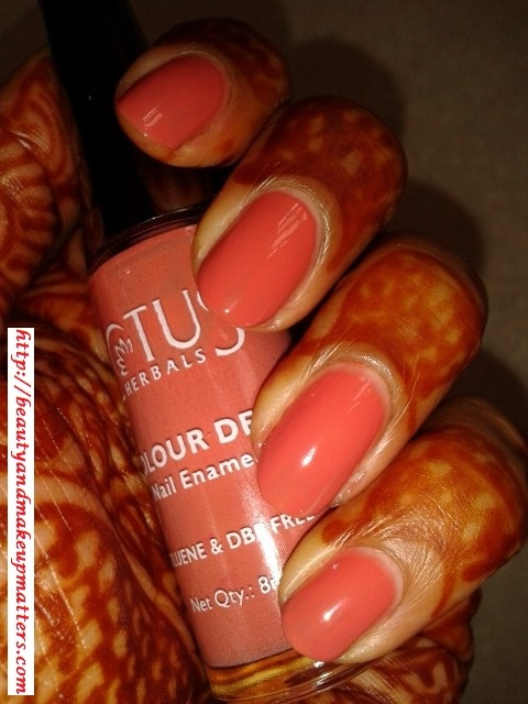 Lotus-Herbals-Color-Dew-Nail-Enamel-Peach-Perfect-NOTD