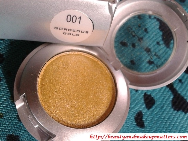 Colorbar-EyeShadow-Gorgeous-Gold-01-Review