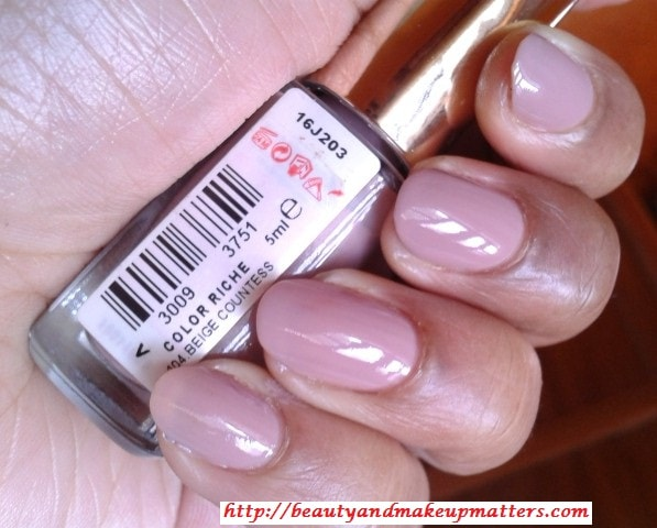 L'Oreal-Color-Riche-Nail-Paint-Beige-Countless-104-Swatch