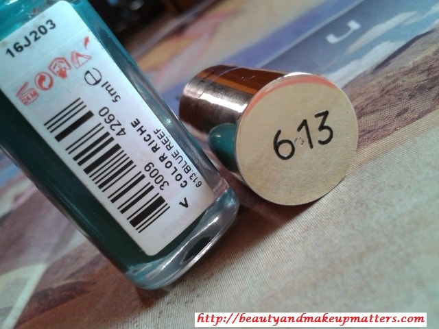 L'Oreal-Color-Riche-Nail-Paint-Blue-Reef-613-Review