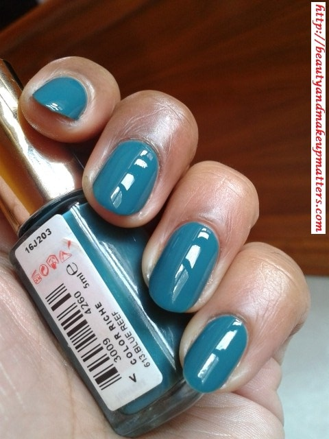 L'Oreal-Color-Riche-Nail-Paint-Blue-Reef-613-Swatch