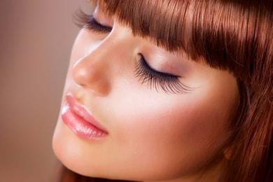 Makeup-Tricks-For-Longer-EyeLashes