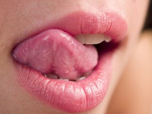 SkincareTips-ToAvoidChappedLips-Do-Not-Lick-Lips