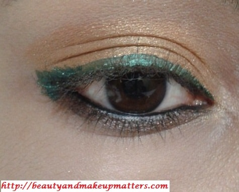 Golden-EyeShadow-With-ForestGreen