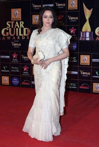Hema-Malini-At-2013-Renault-Star-Guild-Awards