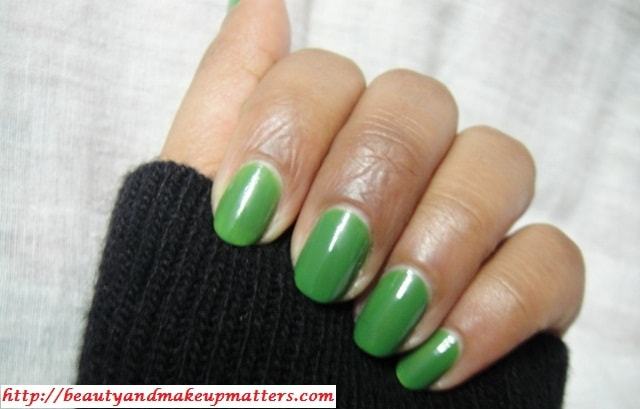 Maybelline-Colorma-Nail-Enamel-Verde-Palmeira-Nail-Swatch