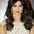Priyanka-Chopra-at-2013Renault-Star-Guild-Awards
