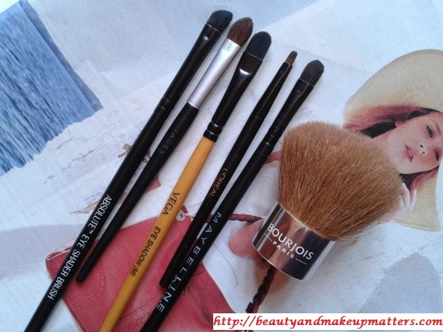 How-To-Clean-Makeup-Brushes-Step1