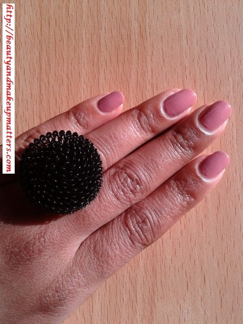 Lotus-Herbals-Color-Dew-Nail-Enamel-Cozy-Mulberry-94-Swatch