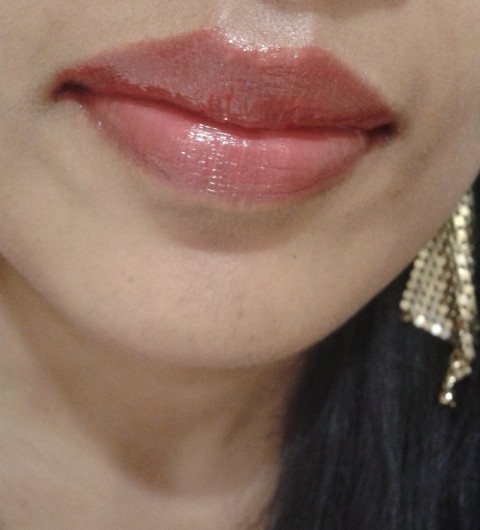 L'Oreal Color Riche Caresse Lipstick Cherry Tulle Lip Swatch