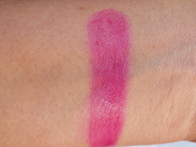 Revlon Just Bitten Kissable Balm Stain Smitten Swatch