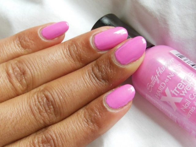 Sally Hansen Hard As Nails Xtreme Wear Nail Color Bubblegum Pink NOTD