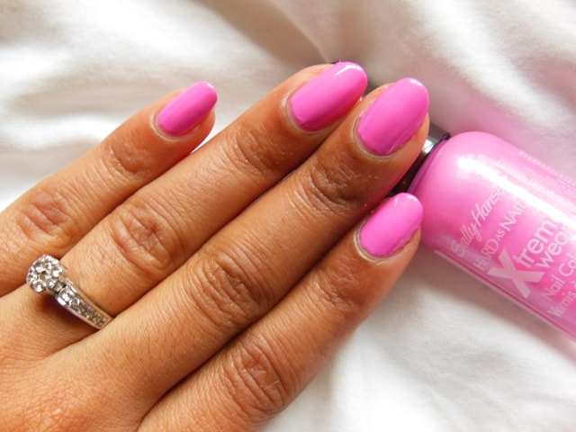 Sally Hansen Xtreme Wear Nail Color Bubblegum Pink Nails