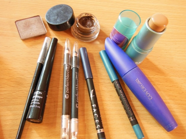 Travel Favorites-Eye and Face Makeup Products