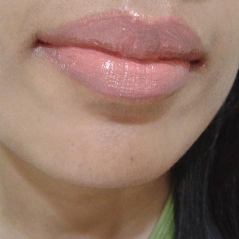 L'Oreal Color Riche Caresee Lipstick Sunset Angora LOTD