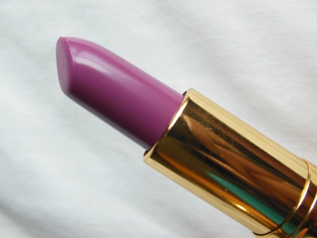 Revlon Super Lustrous Berry Haute Lipstick Review