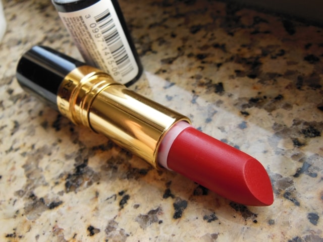 Revlon Superlustrous Matte Really Red Lipstick Review