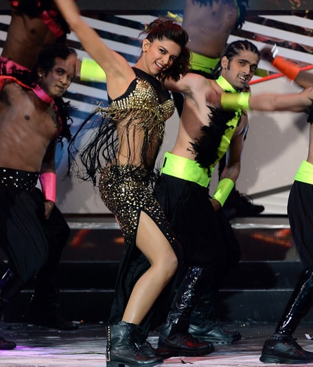 Deepika Padukone @ IIFA Awards 2013 - Dance Performance