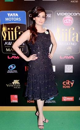 Dia Mirza in Rocky S Black Dress  IIFA Awards 2013