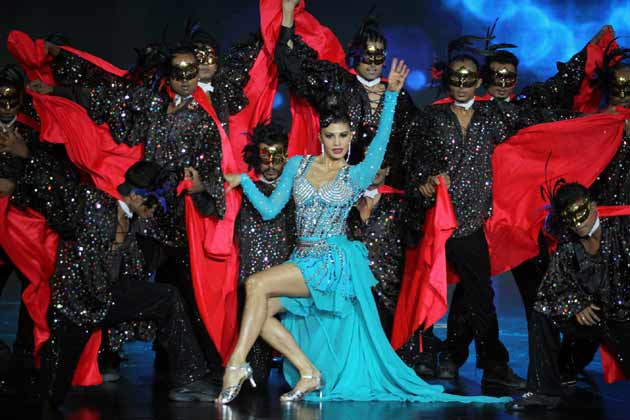 Jacqueline Fernandez Dance Performance @ IIFA Awards 2013, Macau