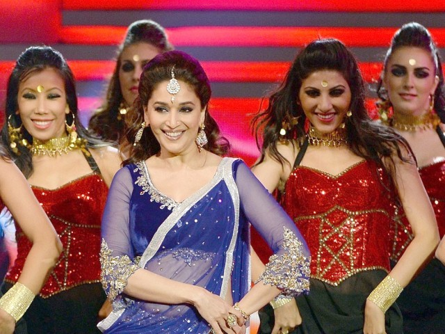 Madhuri Dixit Smile @ 14th International IIFA Awards 2013