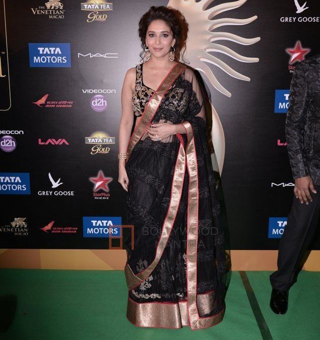 Madhuri Dixit at IIFA Awards  2013- in Black Saree