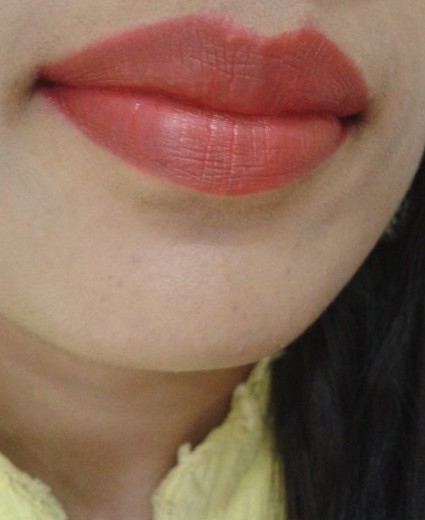Revlon Super Lustrous Creme Lipstick Love That Red as Stain-LOTD