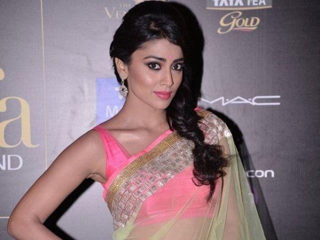 Shriya Saran  in Manish Malhotra Saree @ IIFA Awards 2013 Macau