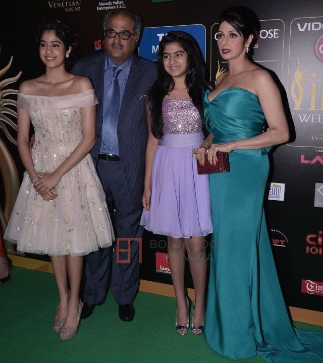 Sridevi with daughter jhanvi kapoor and family @ IIFA Awards 2013