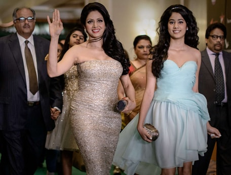Sridevi with her daughter Jhanvi @ IIFA Awards 2013 - Nude Gown