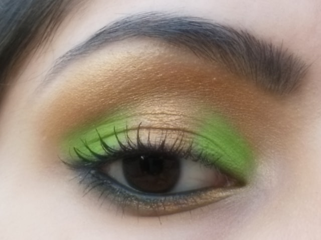 Eye-Makeup-O-Mania- Gold and Green Eye Makeup 5