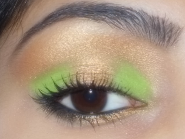 Eye-Makeup-O-Mania- Gold and Green Eye Makeup 1