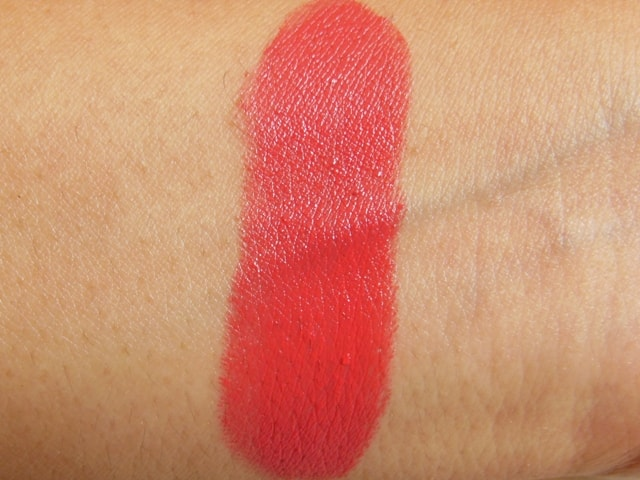 Revlon SuperLustrous Love That Pink Lipstick Swatch