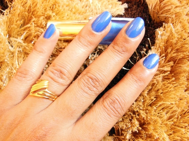 L'Oreal Paris Color Riche Nail Polish Rebel Blue Swatch