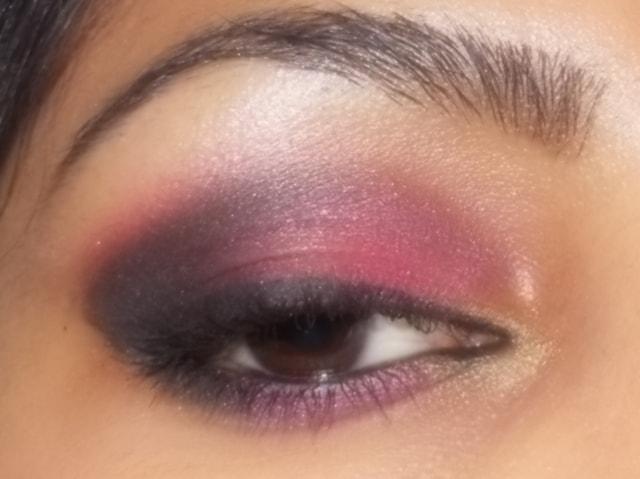 Smokey Pink Eyes Look